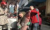 湖北丹江口库区捞起1.7米大青鱼