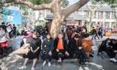 市民游客涌入西湖景区晒太阳