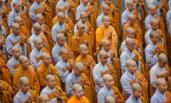 越南僧侣为陈大光祷告