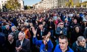 """伦敦举行大规模""""人民投票""""示威游行"""