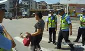 计生办女司机暴力抗法:踢飞执法记录仪