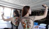 山西太原模特背画户型图吸引众人围观