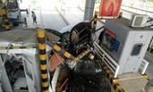 南京一轿车失控冲进收费站 致1死2伤