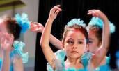 刘烨混血女儿霓娜跳芭蕾 神情高冷气质迷人