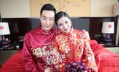 独家直击秦凯何姿大婚:新娘穿中式礼服超美艳
