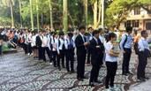在中山大学排队等面试的台湾高中生