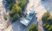 中国造世界最快两栖战车演练战术 沙滩上如履平地