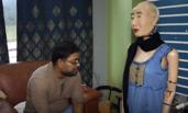 首个讲印度语的人形机器人长这样