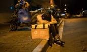 凌晨4点在街头打拼的人们