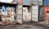 柬埔寨将1600吨塑料垃圾退回美加