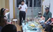 张铁林夺子画面曝光 对峙谈判伸手怒指女方