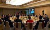 中国10富商陪内塔尼亚胡吃了个早餐
