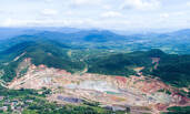 """海南""""亚洲第一富铁矿""""将建成矿物博物馆和公园"""