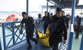 印尼警方载15人飞机坠毁