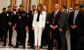 没头巾仍获赞 沙特媒体:梅拉尼娅典雅保守