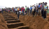 塞国大规模安葬无法辨认的遗体
