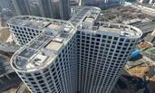 郑州大楼3000多个窗户缀满楼体
