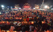 福建漳州拜天公典礼:祭品铺满广场