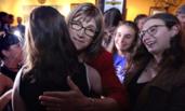 美国:变性民主党人赢初选现场 有望成州长创历史