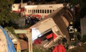 台湾列车出轨救援现场 已致22死