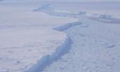NASA发现大型冰山崩解