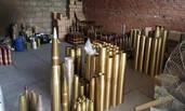 """桂林警方端掉一个""""地下兵工厂"""" 炮弹都有"""