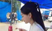 杨幂替身遭曝光 网友:简直和本尊一模一样!
