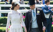 凯特王妃优雅现身赛马会 乘坐马车开心大笑