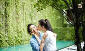 蒋欣带家人泰国旅行 献吻妈妈温馨有爱