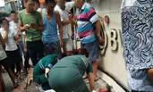 衡阳:一门店招牌掉落 两儿童被砸身亡