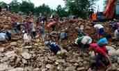 缅甸免费发玉原石 每天500民众捡石
