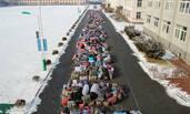 当4000名学生同时放假