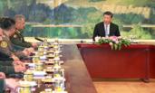 习近平集体会见上合组织成员国国防部长