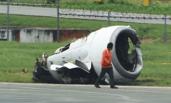 中国客机在马尼拉机场降落时偏离跑道