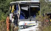 载中国游客巴士在加拿大发生车祸
