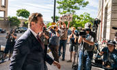 特朗普团队前竞选主席保罗⋅马纳福特被判入狱