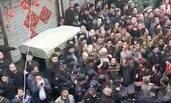 河南汝州因拆迁爆发群体冲突现场