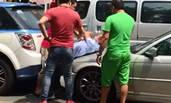 深圳出租车被宝马追尾 师傅当街被暴打