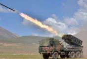 火箭炮在海拔4600米实弹演练