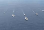 美军三航母逼近朝鲜 吓唬谁?
