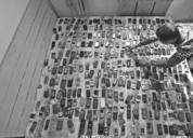 机王!男子收藏3000部手机 欲开博物馆