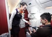 春秋航空:飞机上可有条件使用手机,干扰飞行立即禁止