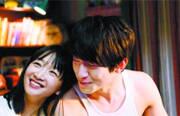 今年,更多传唱度较高的流行歌曲走上电影改编之路,由何炅执导的青春校园爱情片《栀子花开2015》即将上映。