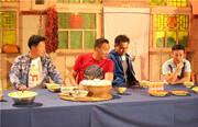 湖南卫视《爸爸去哪儿》第三季将于7月10日晚与观众见面,五组星爸萌娃首站来到陕西榆林。