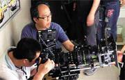 """成龙新片《绝地逃亡》17日凌晨在香港欣澳出海拍摄时发生意外,人称""""高佬""""的资深摄影师陈国雄坠海身亡。"""