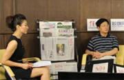 王小丫和中青报社长张坤,《互联网时代》两位总导演一起与网友交流,聊互联网时代传统媒体与新媒体的融合。