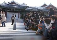 视频:双宋婚礼众多国内外粉丝场外等候