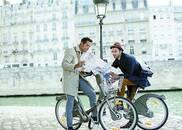 巴黎拟对共享单车征