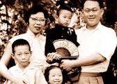 """新加坡第一家庭纷争背后浮现""""李三代"""""""