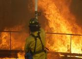 美国北加州山火已致21人死亡 电线或为起火原因
